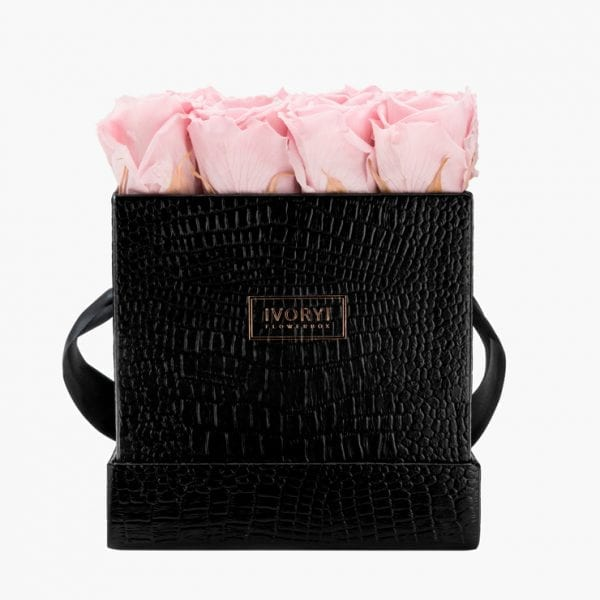 ivoryi-friends-ivoryiflowerbox-infinity-fifth-avenue-edition-large-blush-rose-front-grace