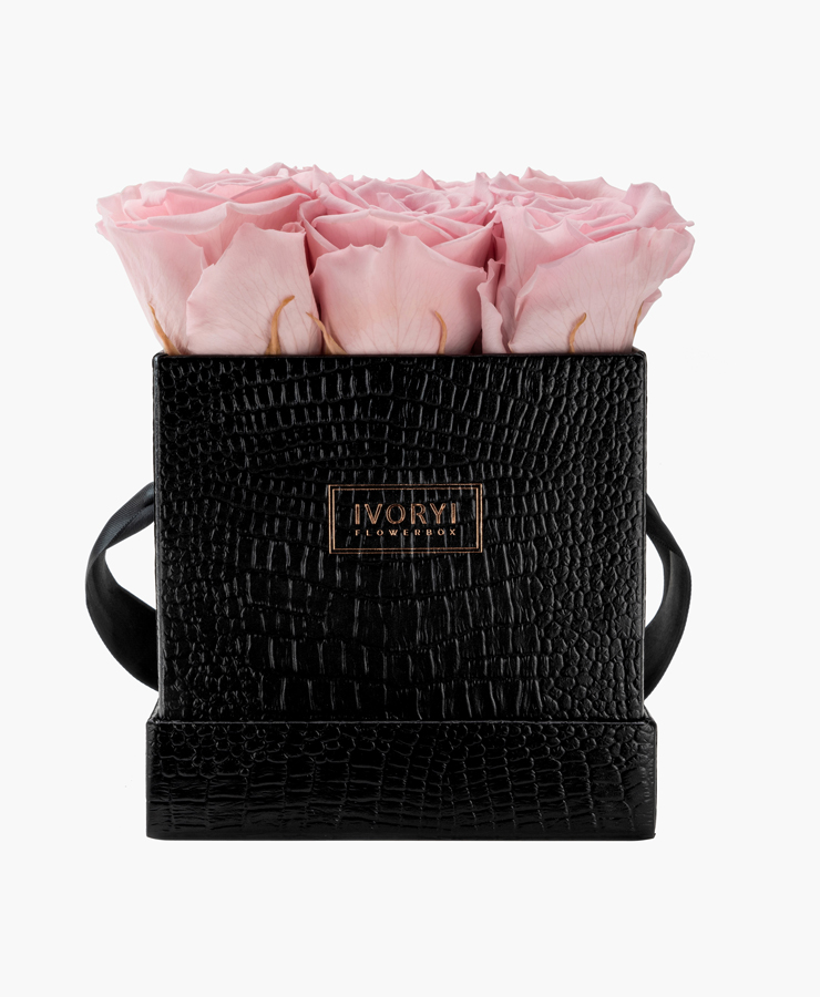 ivoryi-friends-ivoryiflowerbox-infintiy-fifth-avenue-edition-medium-blush-rose-front-grace