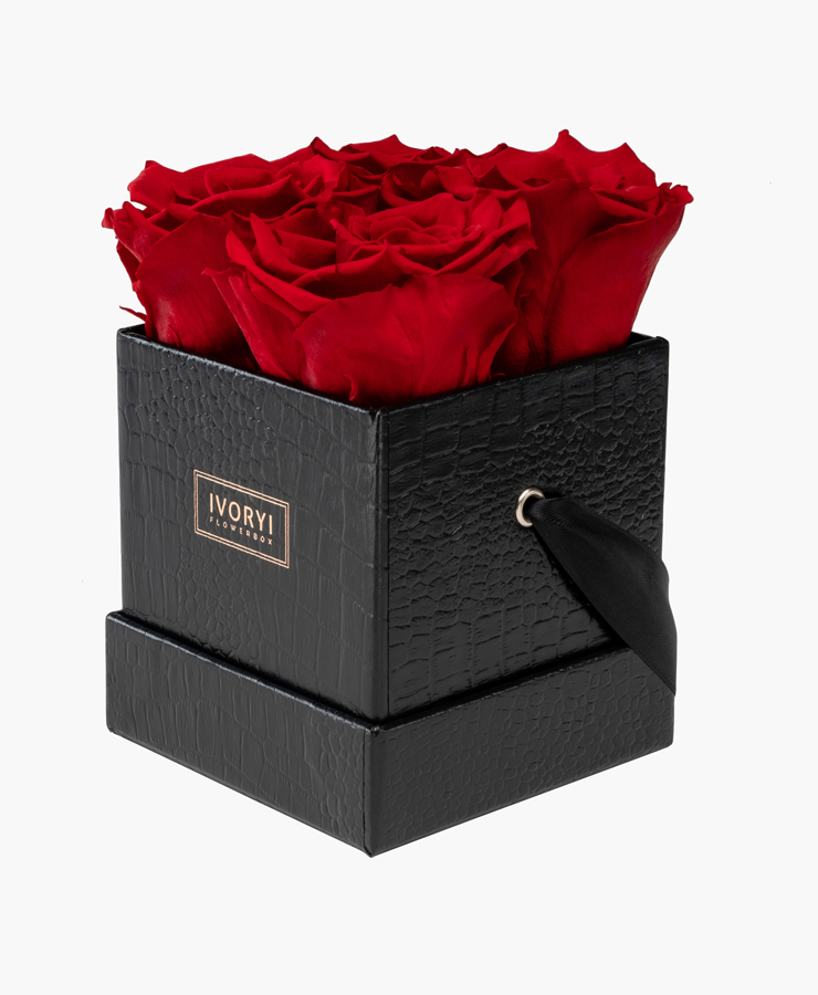 ivoryi-friends-ivoryiflowerbox-infintiy-flowerbox-fifth-avenue-edition-small-romantic-red-side-grace